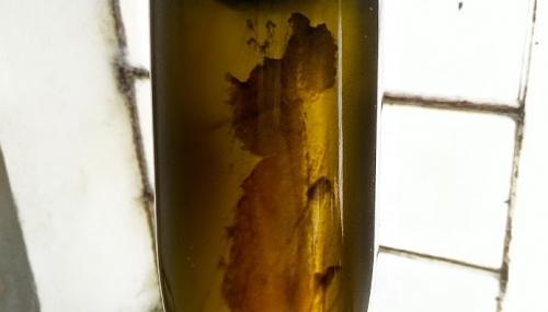 Remuage birkvin gær i flasken